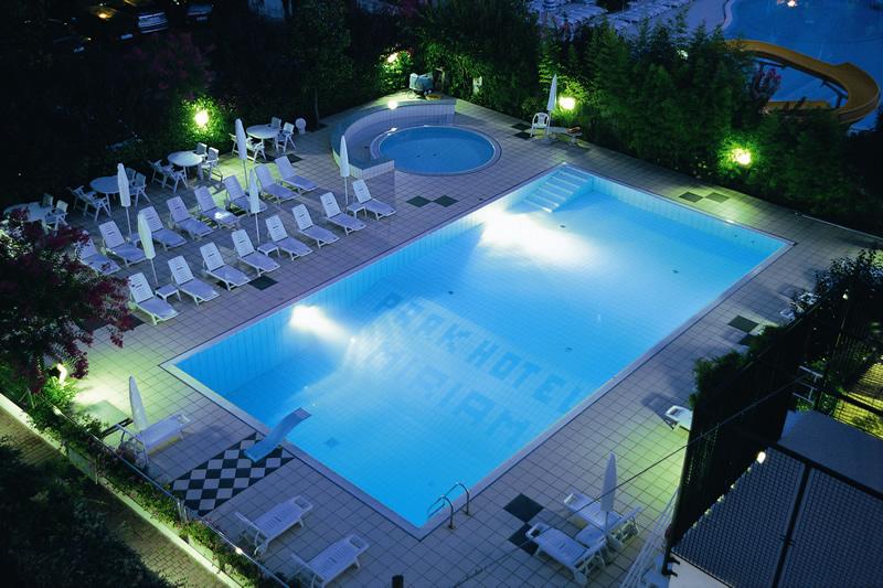 Hotel 3 stelle a gatteo mare tanti comfort nell 39 albergo for Gardini per arredare gatteo fc